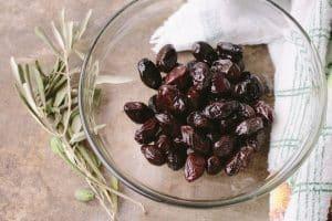 Olive noire : Bienfaits & Propriétés avec recette